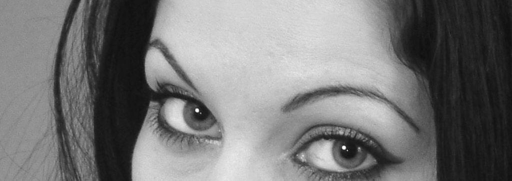 Augenbrauenlift und Stirnlift