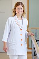 Julia Wulf arbeitet in der Jungbrunnen-Klinik als medizinische Fachangestellte