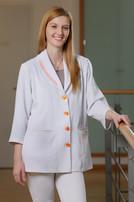 Kimberly Hausen arbeitet in der Jungbrunnen-Klinik als medizinische Fachangestellte